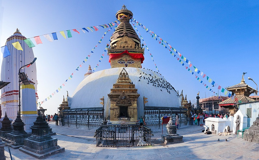 Spectacular Buddhist Destinations in India & Nepal